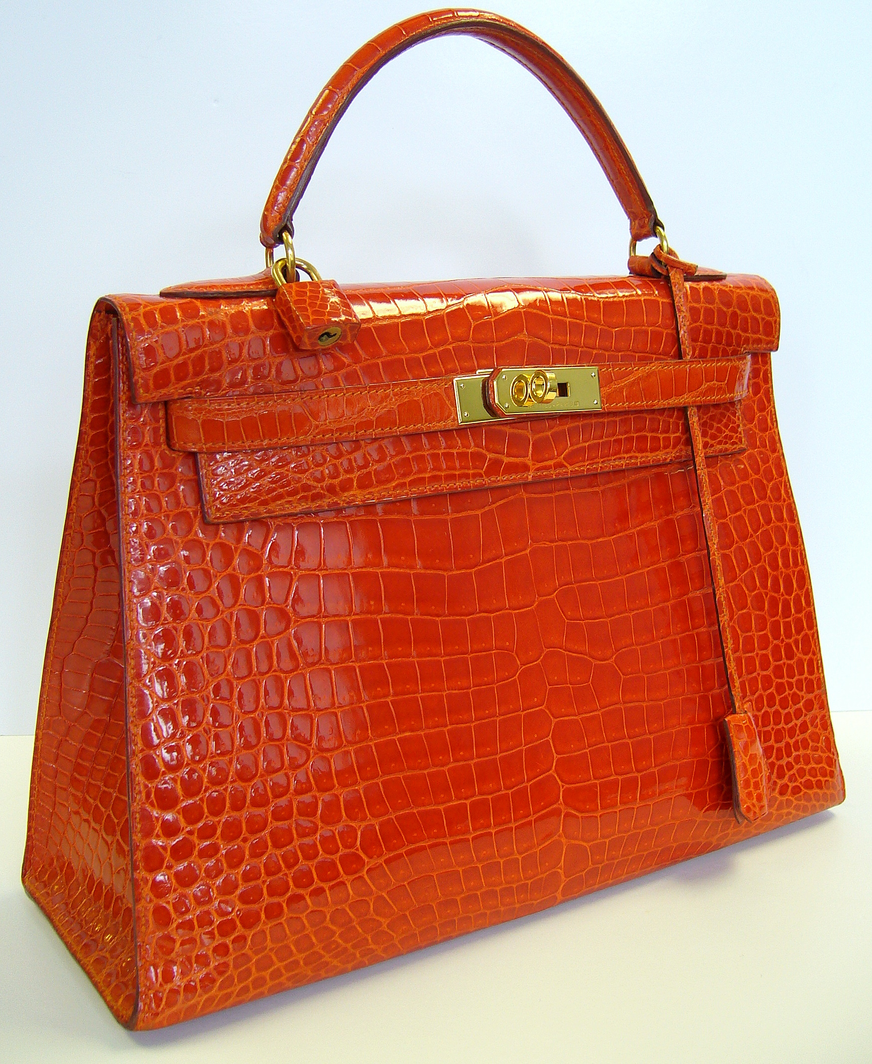Hermes Chanel Dior And More Visit Handbag Heaven At The Perfect Purse In Southampton