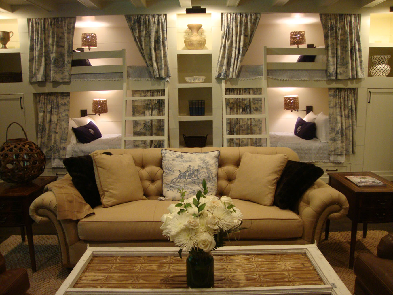 KDH lifestyle correspondent, Kim Hopkins, Shares Design Tips On How To  Build A Beautiful Bunk Room