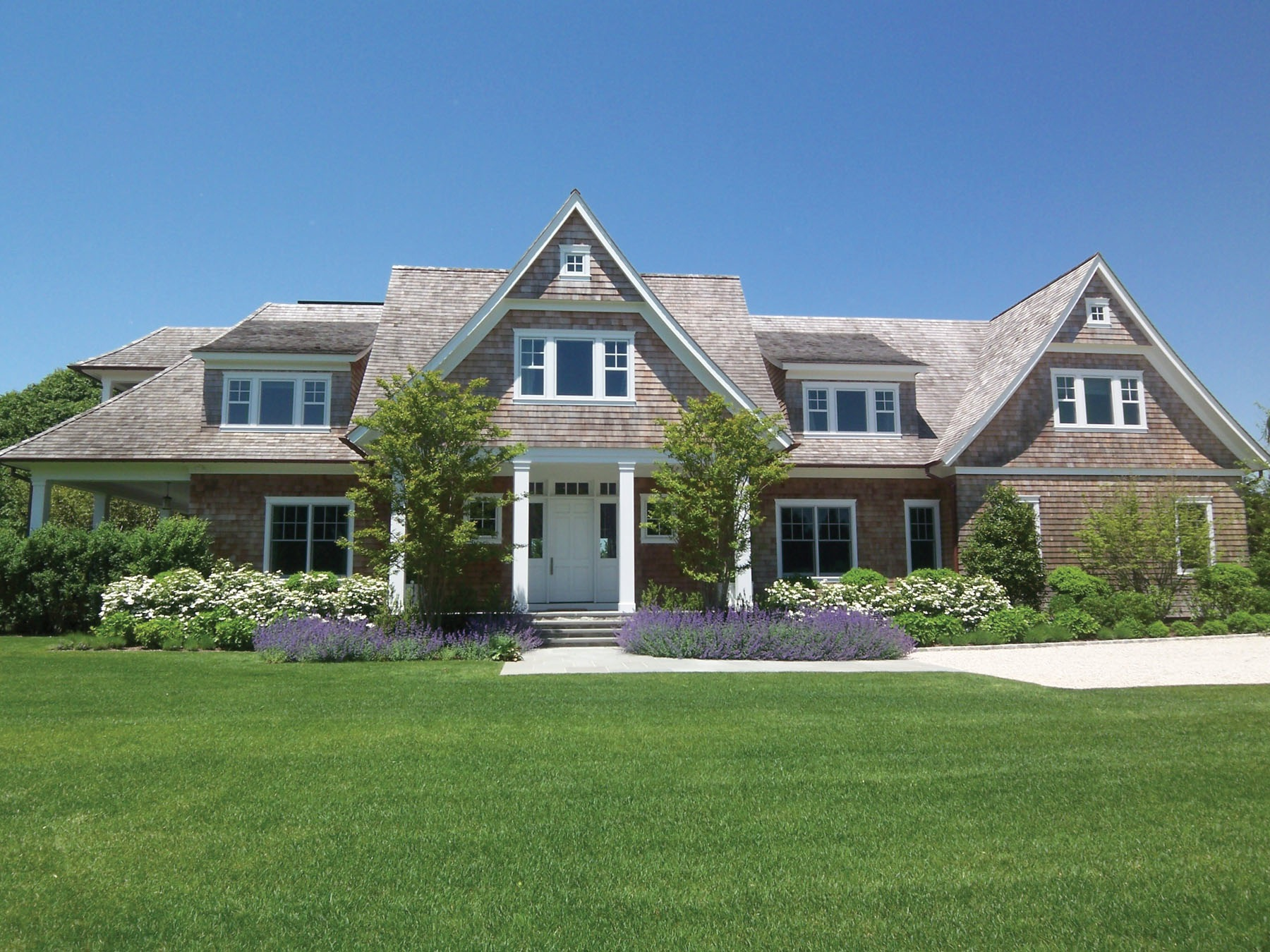Kick off 2012 with a new hamptons home check out this for Hampton style homes