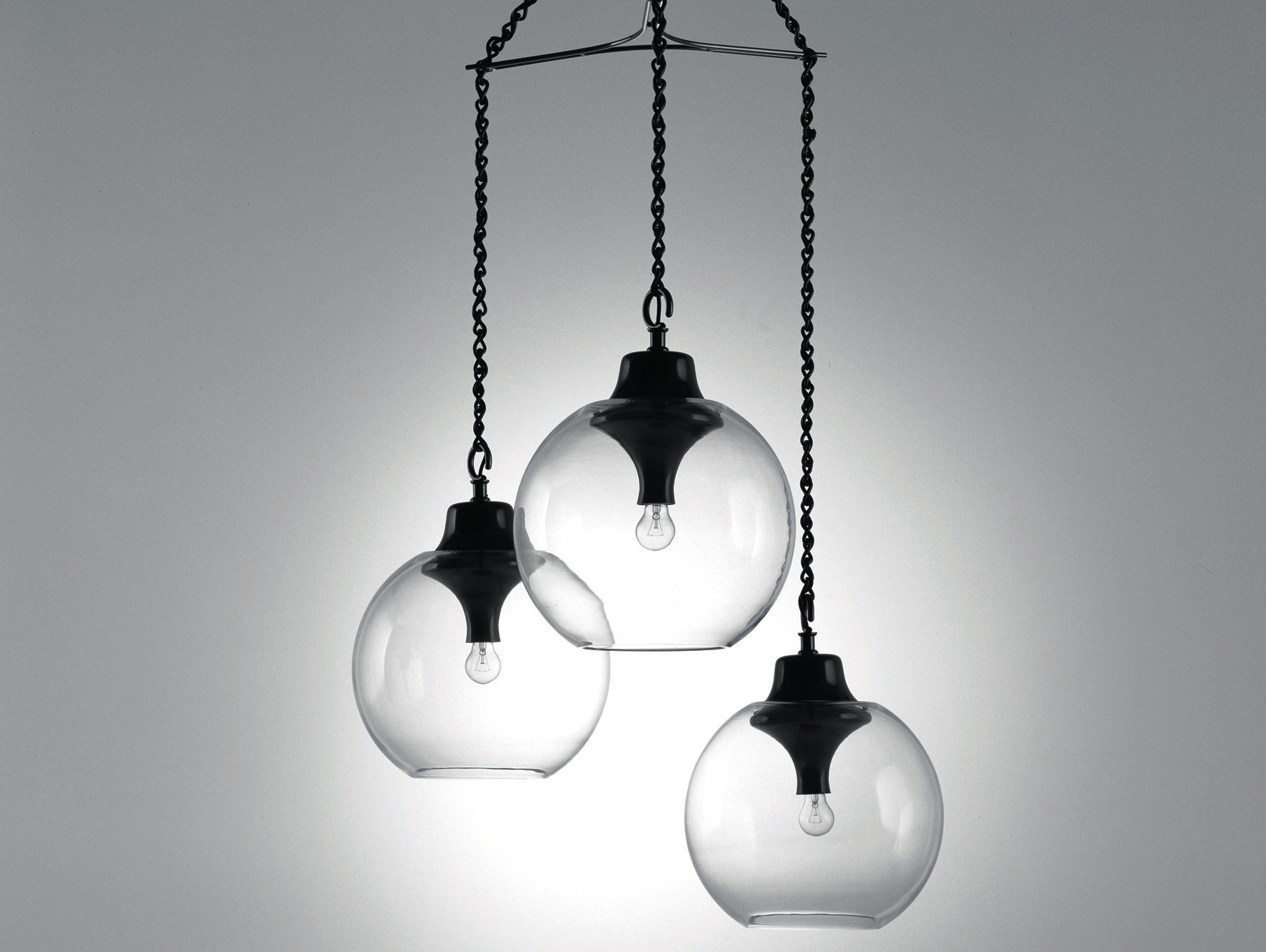 Suite Ny Owner Kris Fuchs Picks The 12 Best Chandeliers For A Chandelier Wiring Black White 9