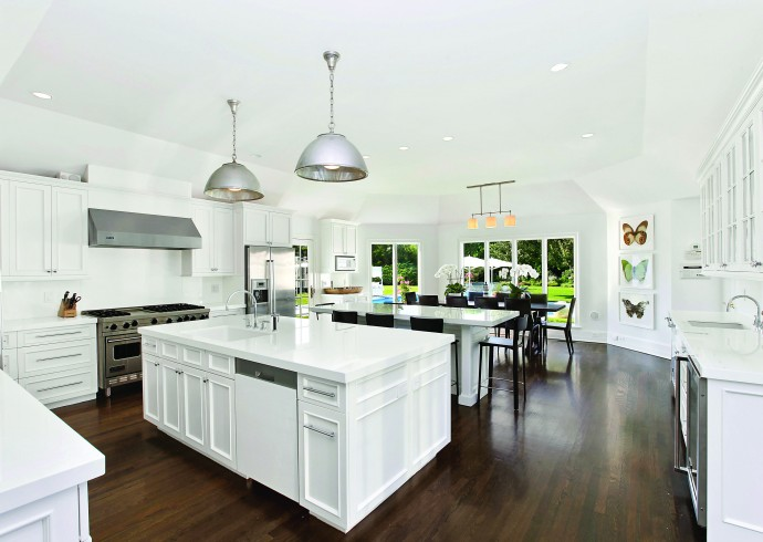 Kdhamptons featured home a 14 5m gin lane gem kdhamptons for Hampton style kitchen designs