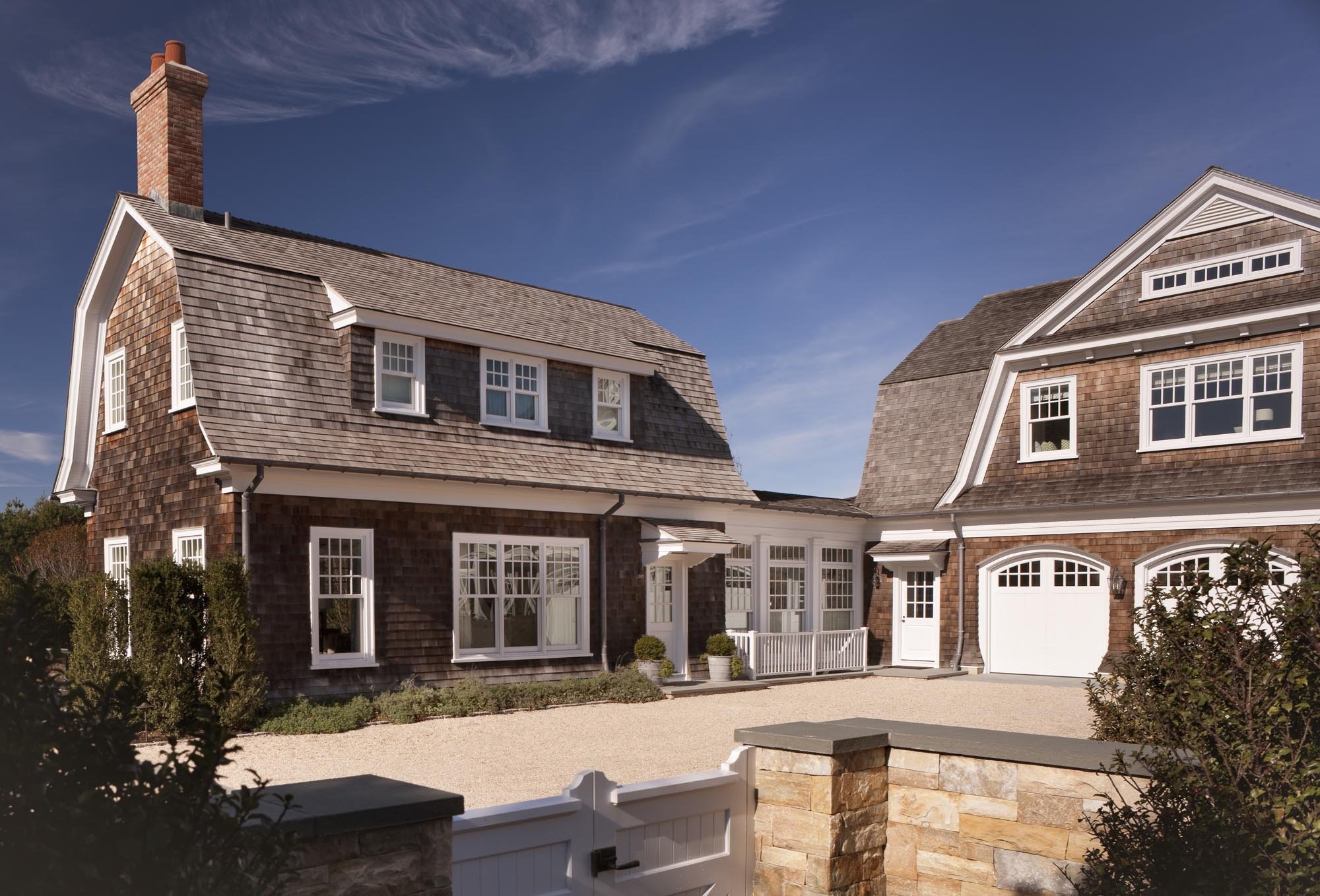 Kdhamptons featured home east hampton perfection at 44 for Classical houses