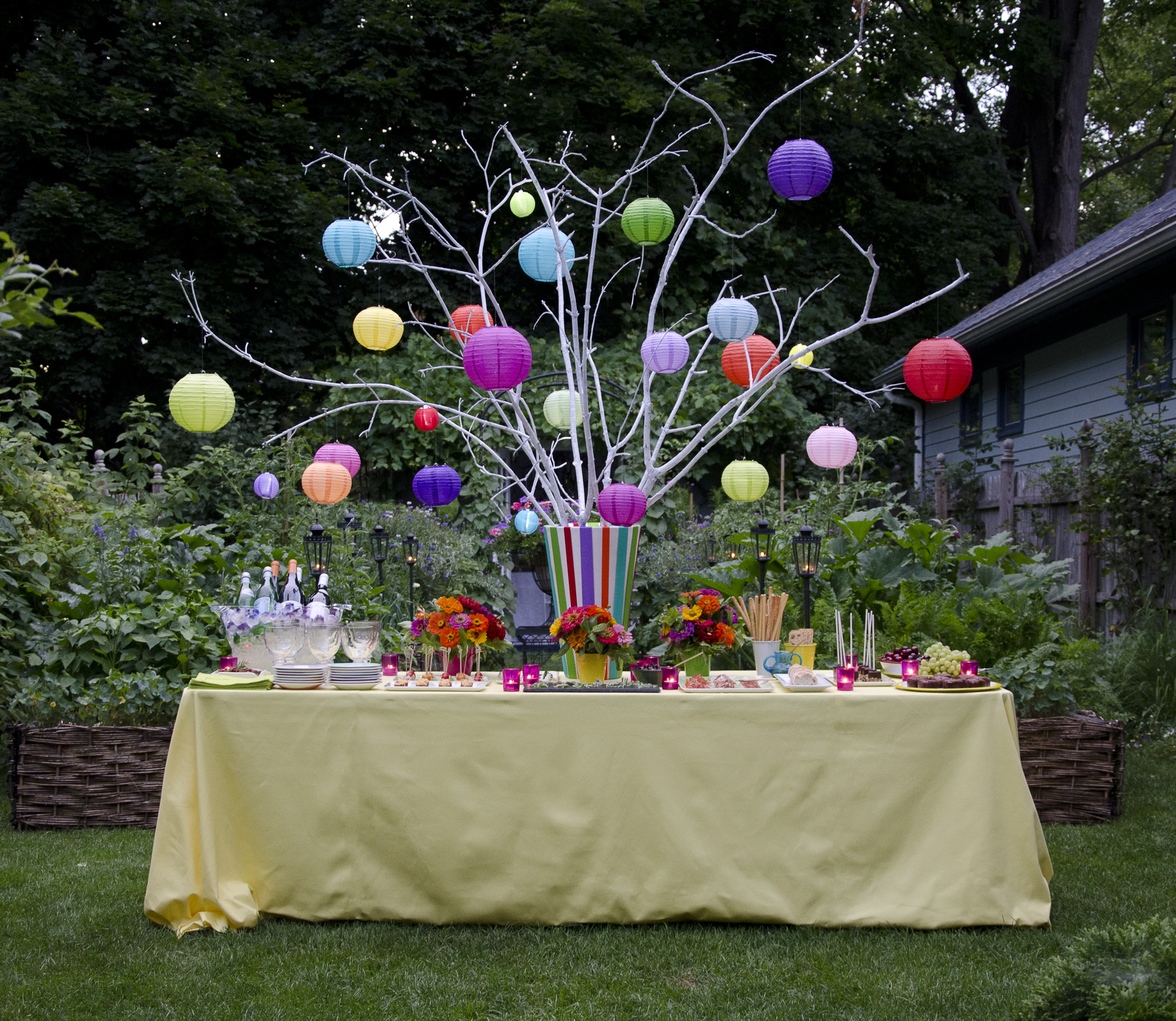 Easy On The Eye Charming And Cozy Outdoor Decorating: NEW KDHamptons Featured Garden Book: AN INVITATION TO THE