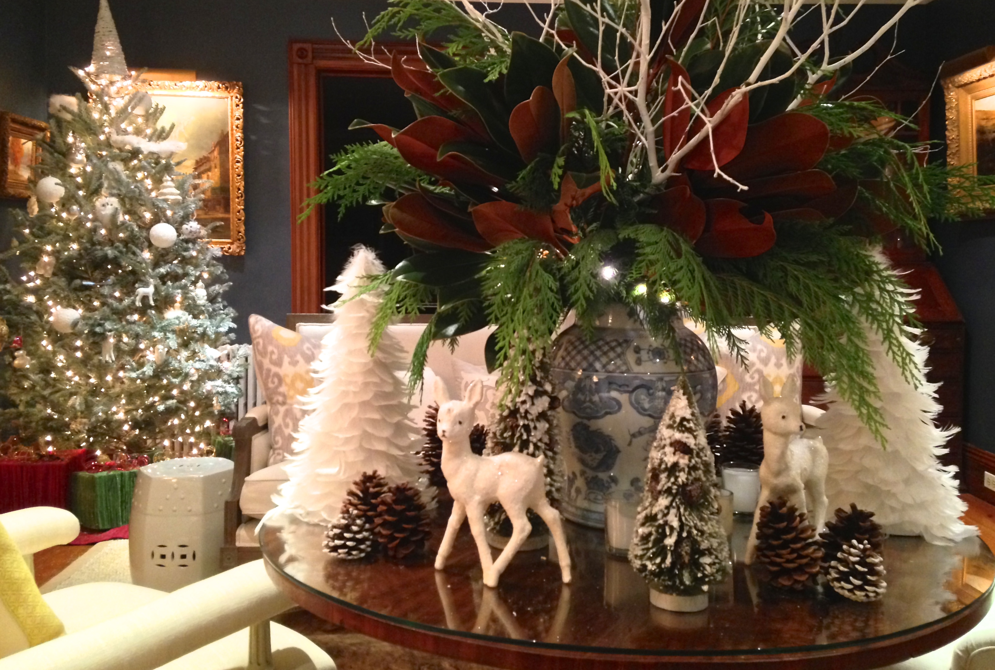 Kdhamptons design find the best hamptons holiday decor at for Find christmas decorations