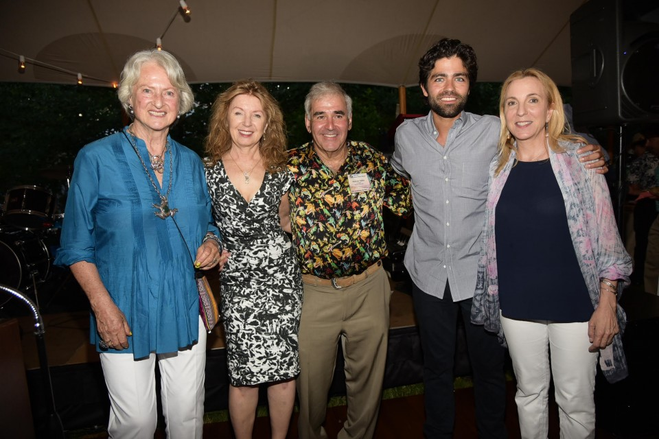 Honorees Willi Salm and April Gornik, Andy Sabin, honoree Adrian Grenier, and Susan Rockefeller attend the South Fork Natuarl History Museum's 26th.Annual Summer Gala on July 11, 2015 at 377 Bridgehampton Sag Harbor Tpk. in Bridgehampton. photo by Rob Rich/SocietyAllure.com