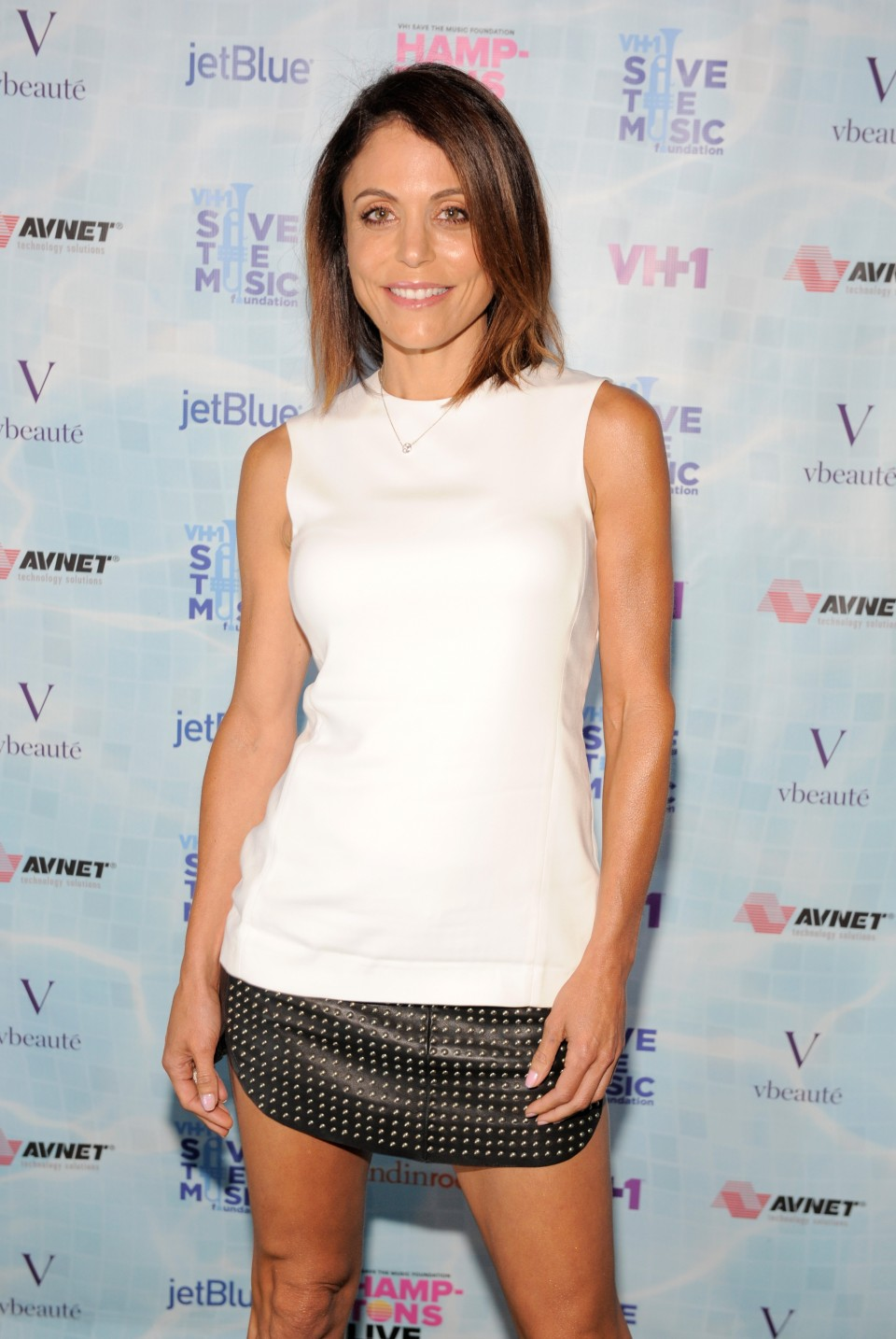 "SAGAPONACK, NY - AUGUST 08:  Bethenny Frankel at VH1 Save The Music Foundation's ""Hamptons Live"" benefit hosted by Billy and Julie Macklowe at a private estate in Sagaponack, NY on August 8, 2015.  (Photo by Matthew Eisman/Getty Images for Vh1 Save The Music)"