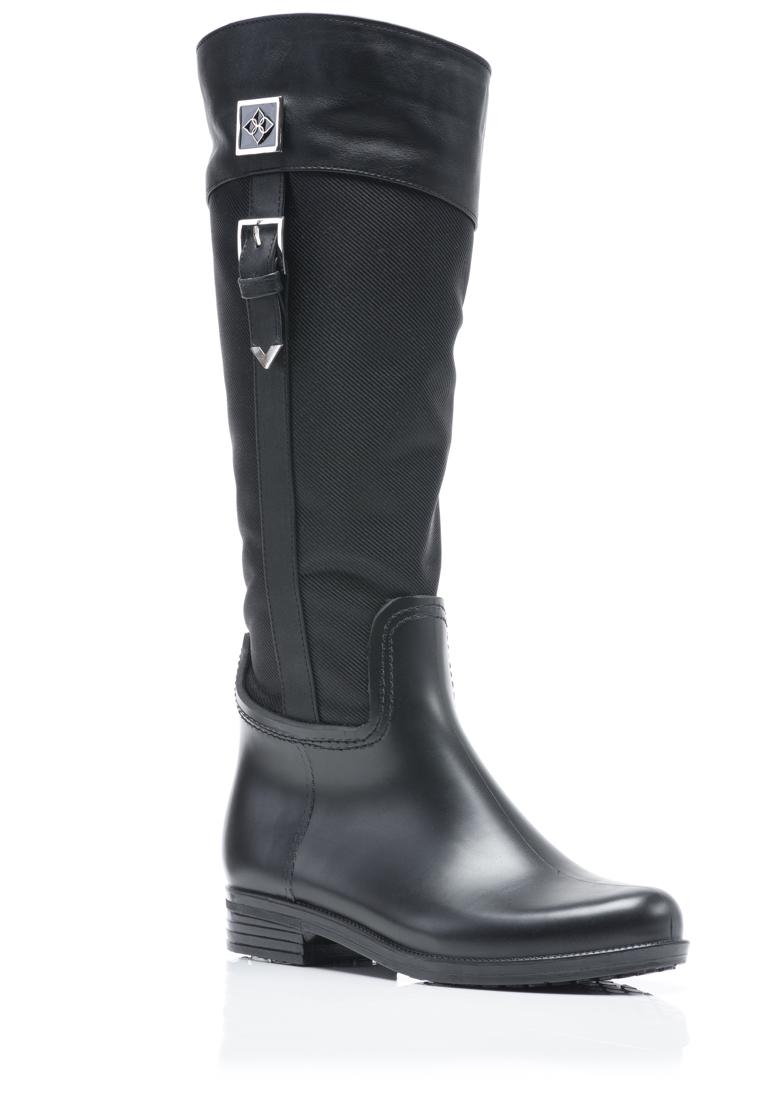 Kdhamptons fashion seven chic rain boots to battle hurricane joaquin