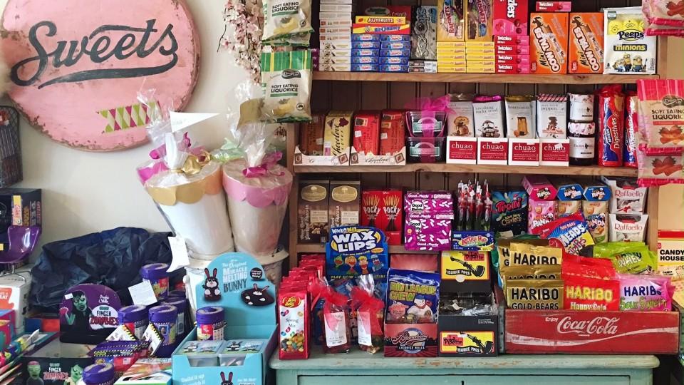 Topiaire Candy Shop