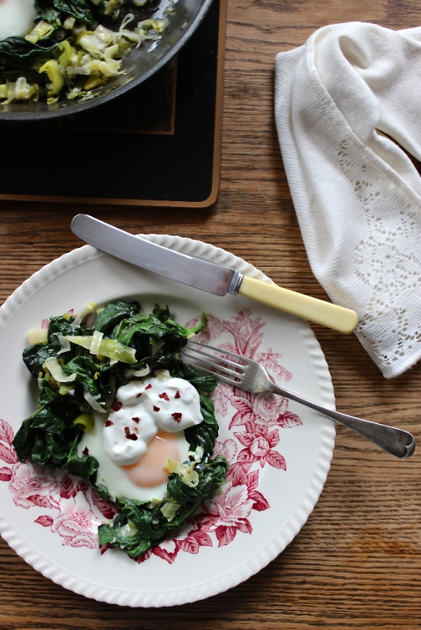 baked eggs with spinach yogurt and chili butter skillet baked eggs ...
