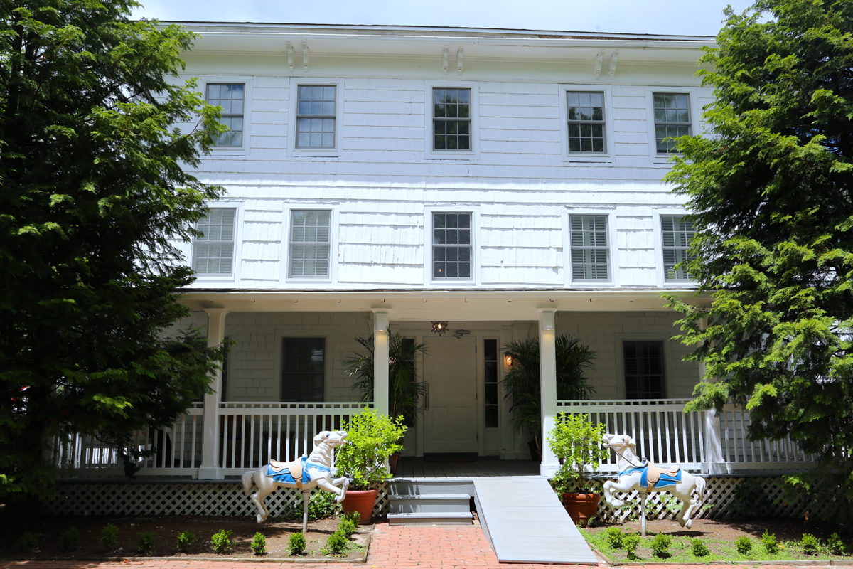 Charming boutique hotel ze opens in southampton kdhamptons for Charming small hotels