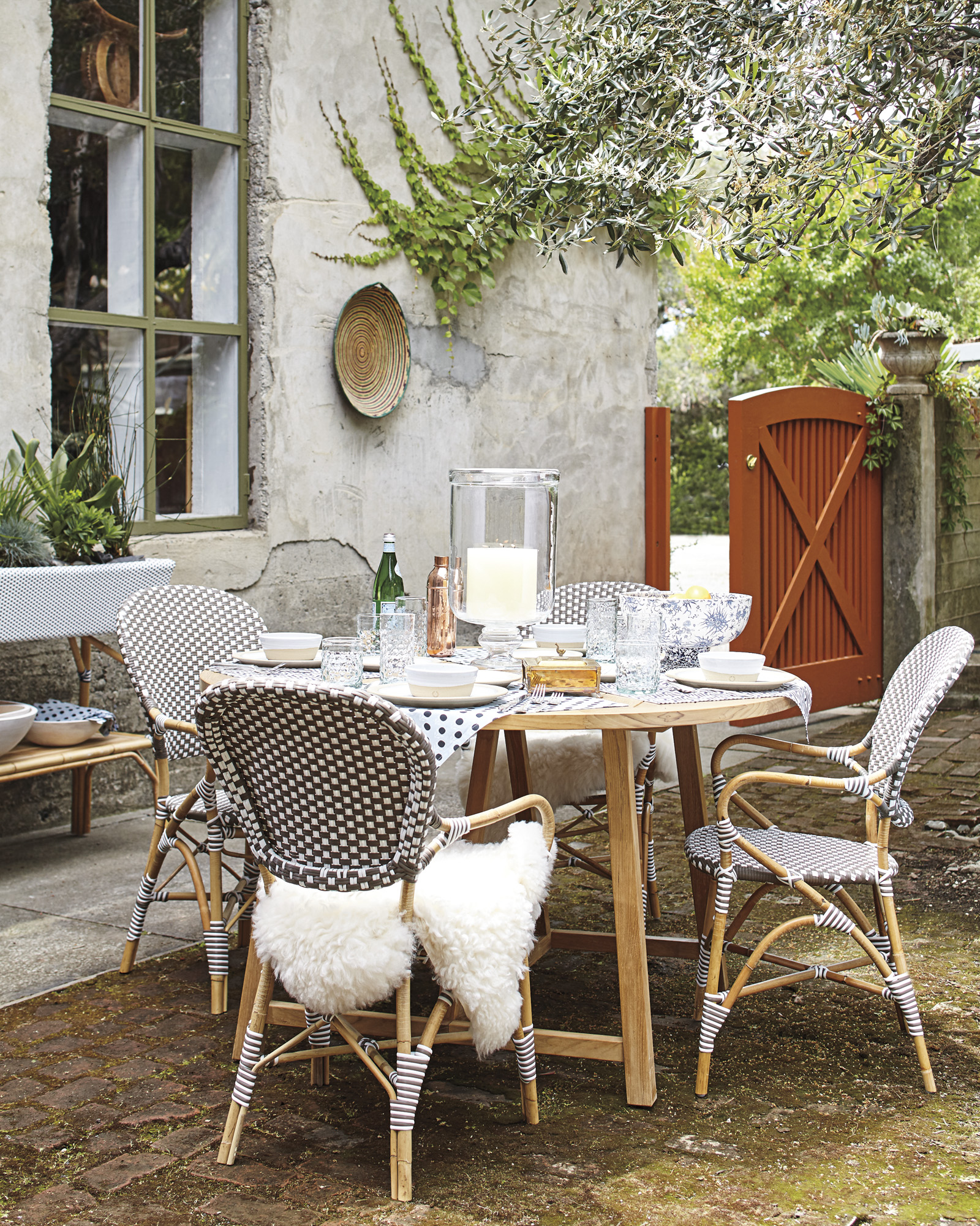 serena u0026 lily crosby dining
