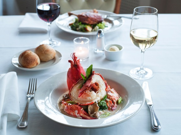 Hamptons_Southampton_Red_Bar_Restaurant_14