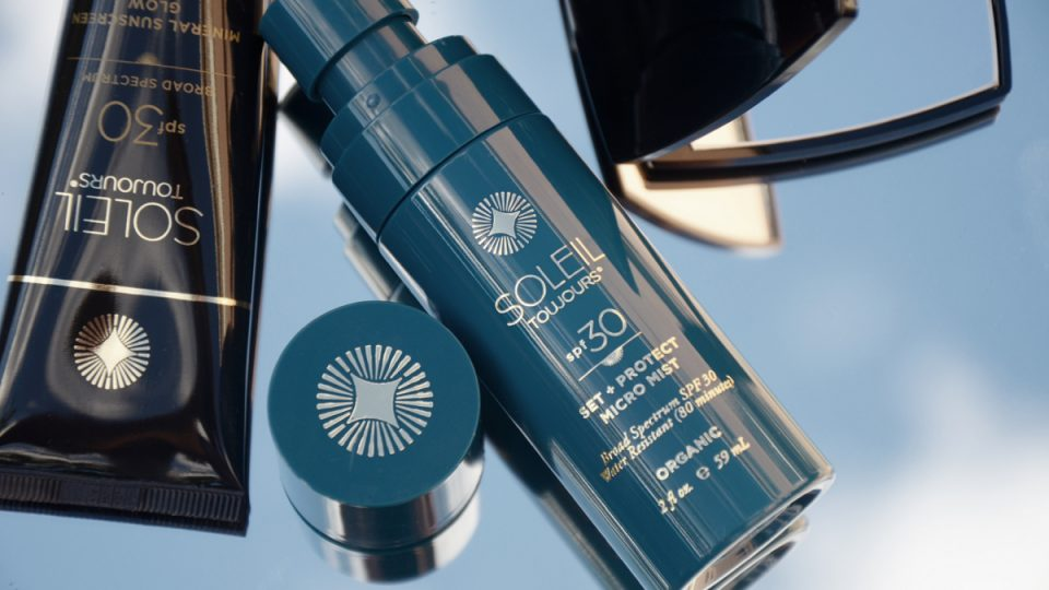 Set-protect-and-glow-