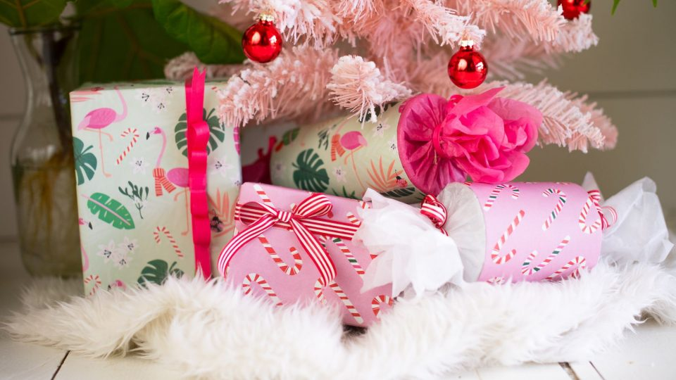 wrappily-pink-holiday